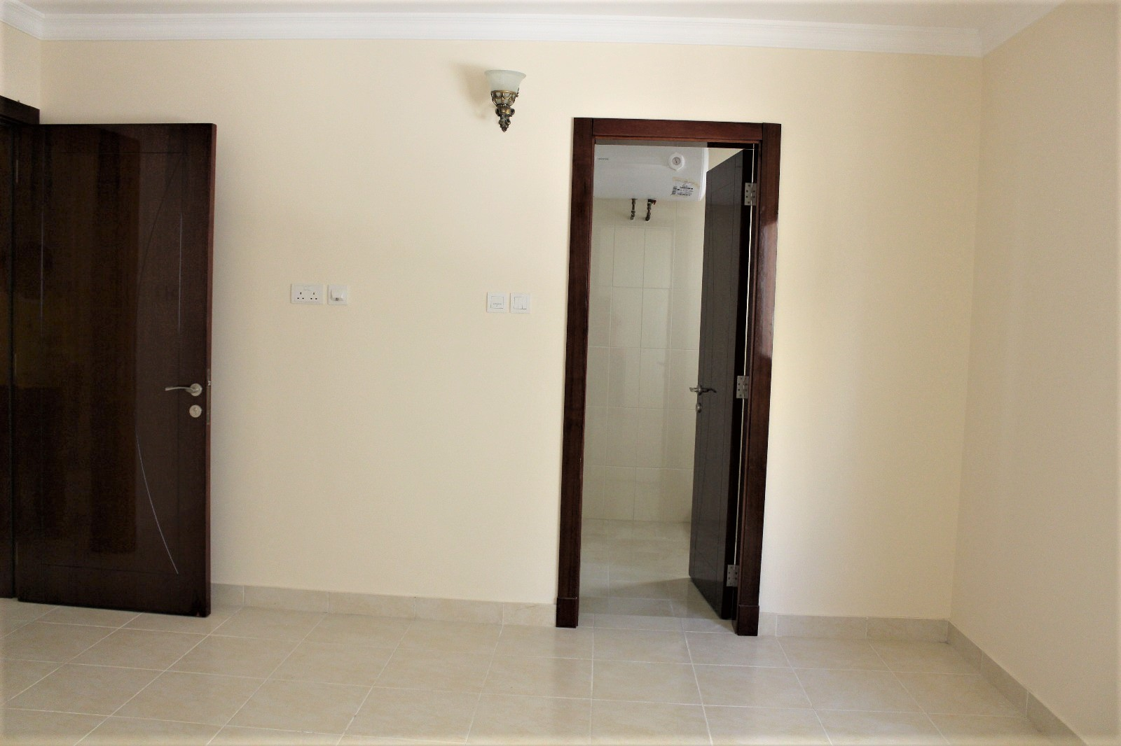 Three Bedroom Unfurnished Apartment4