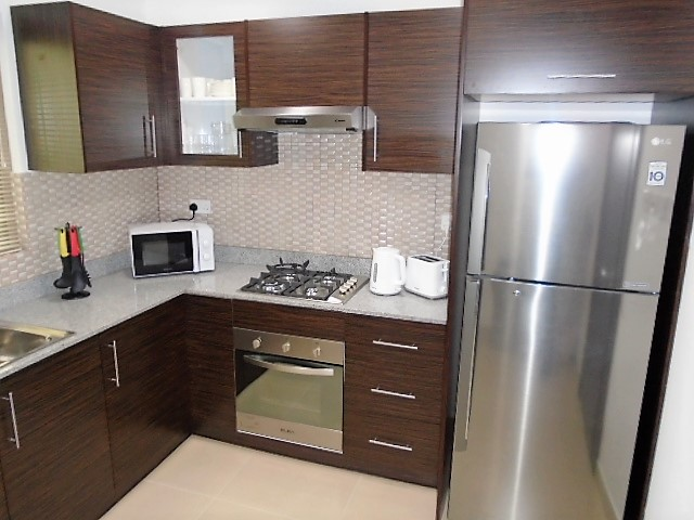 Charming Two Bedroom Bright Apartment4