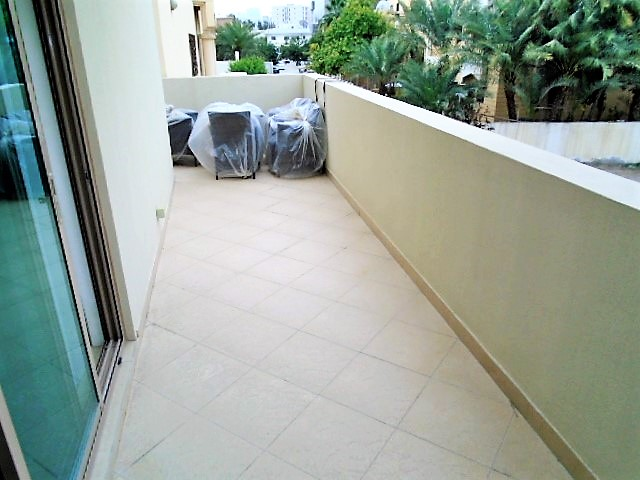 Charming Two Bedroom Bright Apartment7