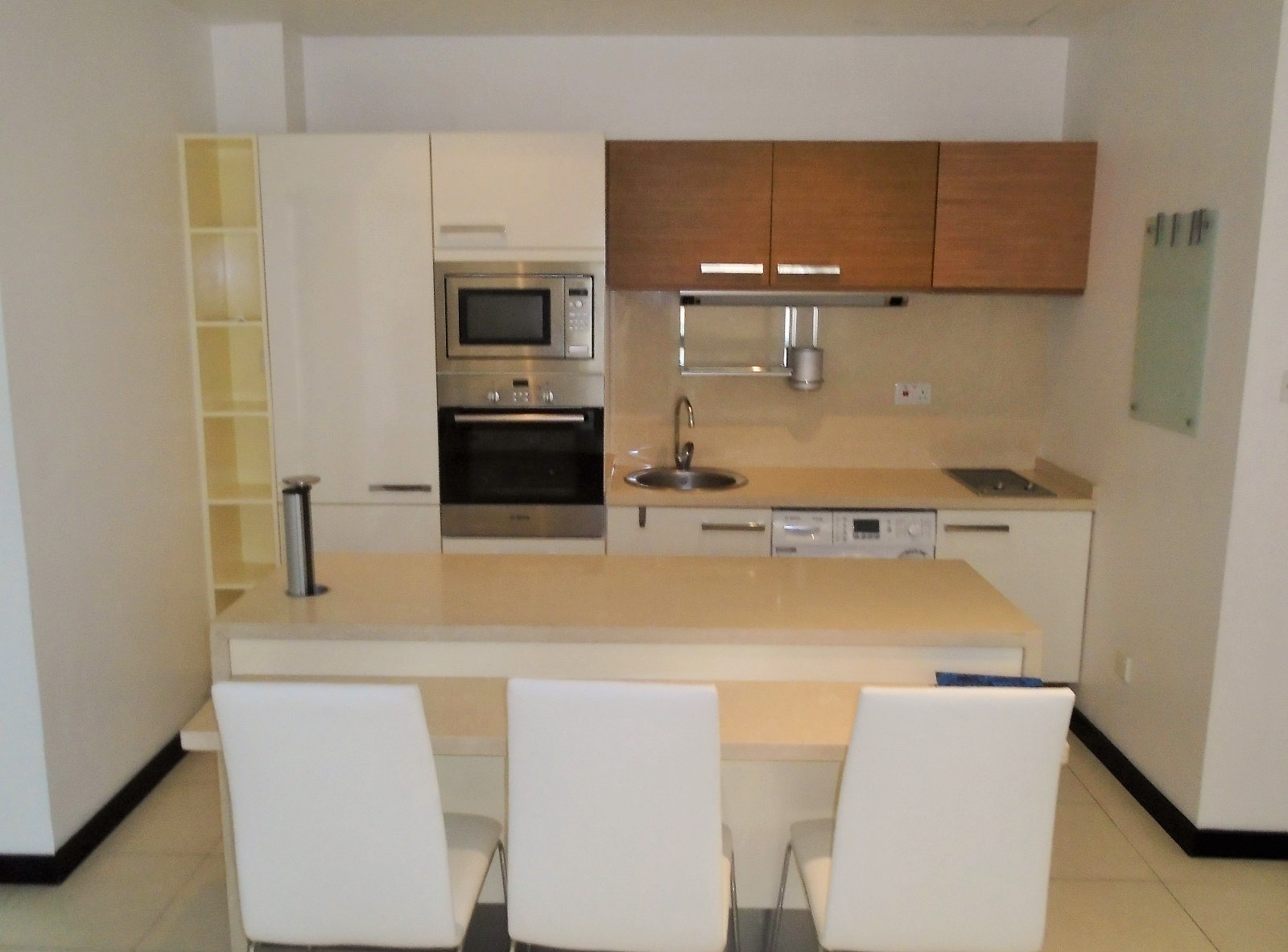 Beautiful Two Bedroom Apartment2